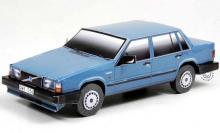 Сборная игрушка из картона - автомобиль Volvo 740 (синий), Масштаб 1:24, в собранном виде - бок, Умная бумага, 187-02