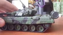 Сборная пластиковая модель российского основного боевого танка Т-90, с микроэлектродвигателем (подарочный набор) в собранном и окрашенном виде, любителем, Modelist ПН304873