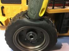 Радиоуправляемый колёсный снегоуборщик, 1:14 2.4GHz, мягкое колесо, Hui Na Toys HN1586