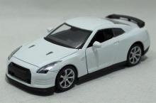 Модель машины металлическая, инерционная, 1:32, цвет белый, с подкрашенной решоткой радиатора, Hoffmann 49505