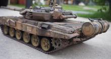 Радиоуправляемый танк T90 Pro Russia 1:16 RTR 2.4GHz, вид сбоку-сзади, Heng Long 3938-1PRO