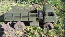 """Взять на прокат радиоуправляемую модель внедорожного грузовика Краулера Газ-66 """"Шишига"""" в Новосибирске, фото вид сбоку"""
