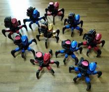 Коллективный выездной прокат роботов-пауков на радиоуправлении, роботы двигаются, стреляют мягкими снарядами