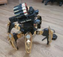 Взять на прокат радиоуправляемую модель робота-паука, стреляющего мягкими ракетами в Новосибирске, вид сбоку