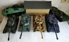 Коллективный прокат танкового боя на радиоуправлении, танки могут ездить, стрелять ИК лучами, поворачивать башни, фото с реквизитом